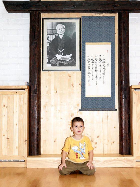 vukasinn-sukleta-prvi-trening-karatea-u-novom-sadu